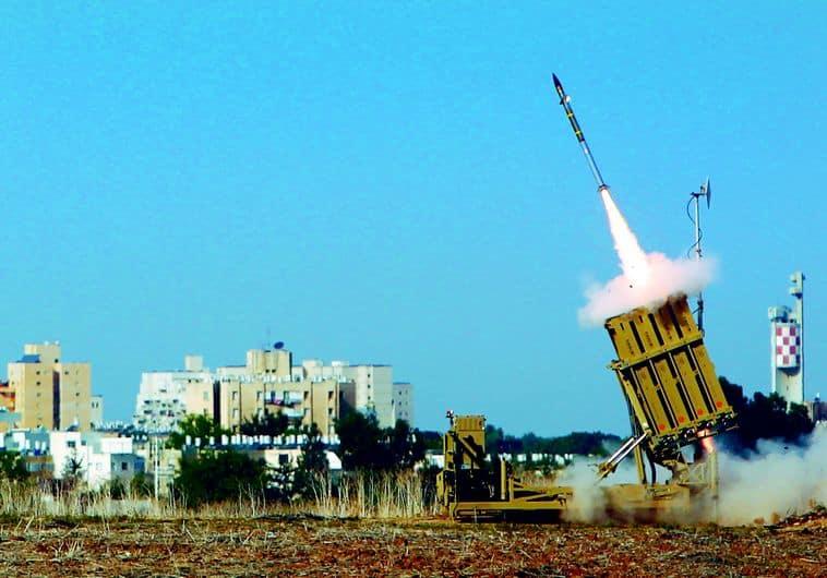 200 foguetes foram disparados até agora contra Israel, 60 dos quais foram interceptados.