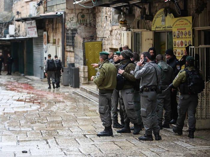 Tentativa de esfaqueamento na cidade velha de Jerusalém.