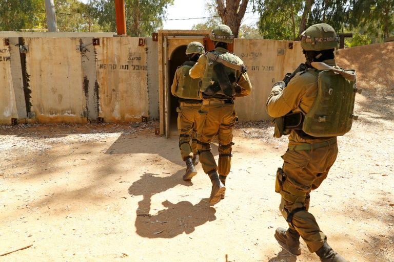Soldados israelenses treinam com a ajuda da realidade virtual
