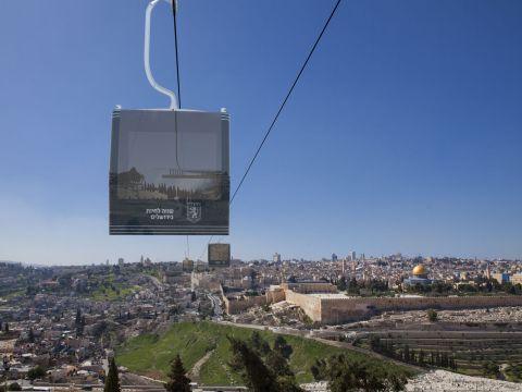 Polêmico projeto de teleférico gera debate em Jerusalém