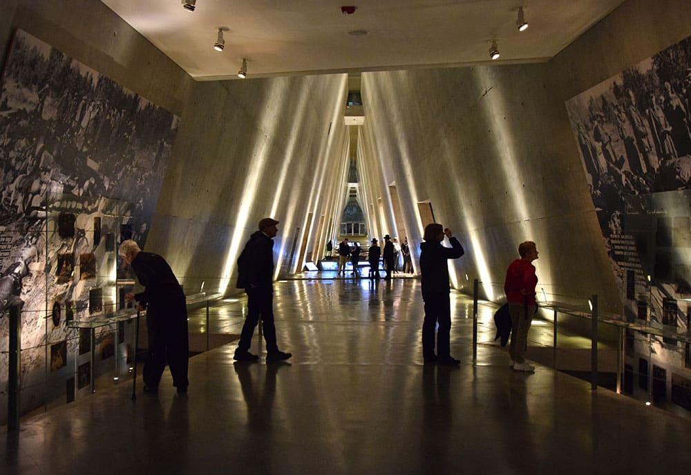 """27/01 – """"Dia internacional em memória das vítimas do holocausto"""""""