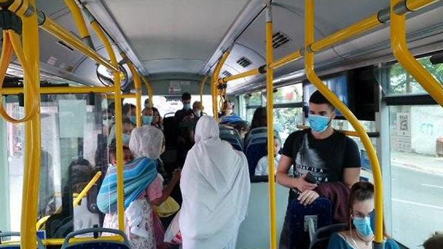 Congestionamento no transporte público israelense após o final da quarentena