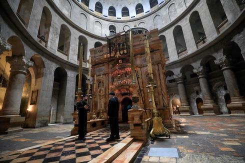 O Santo Sepulcro abriu hoje após dois meses fechados