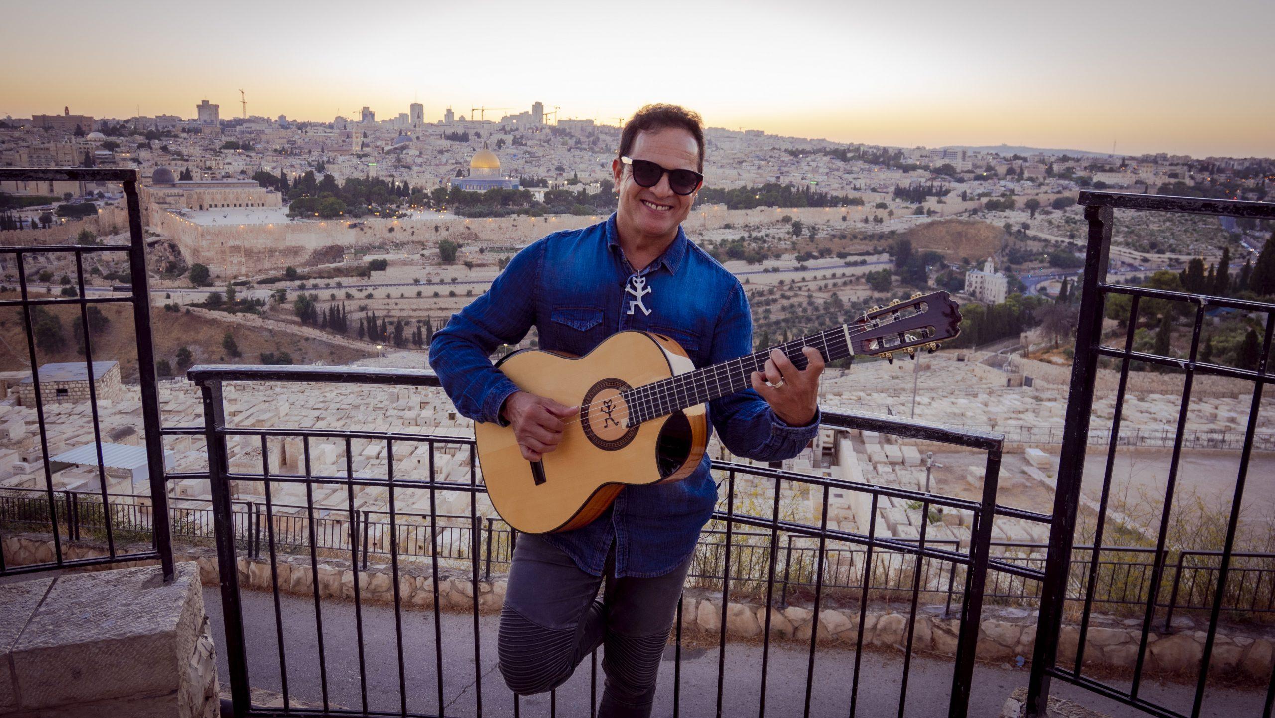 Fernando Seixas canta Jerusalém toda de Ouro