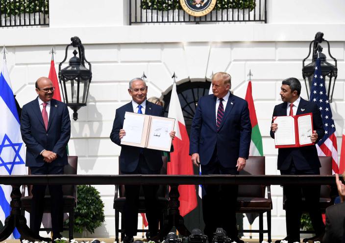 Israel normaliza relações com Emirados e Bahrein