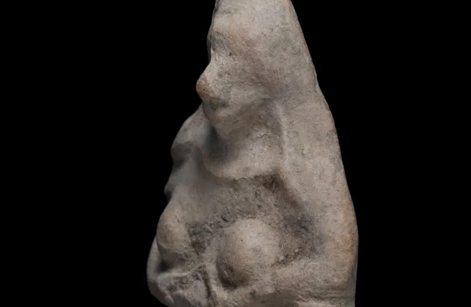 Criança descobre artefato que pertence ao período de exílio na Babilônia
