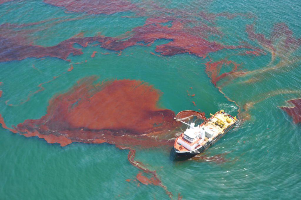 um Derrame de óleo