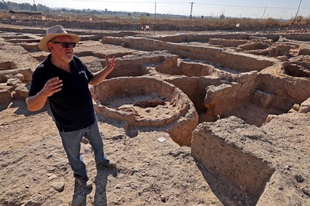 Antiga fábrica de vinhos é encontrada por arqueólogos em Israel